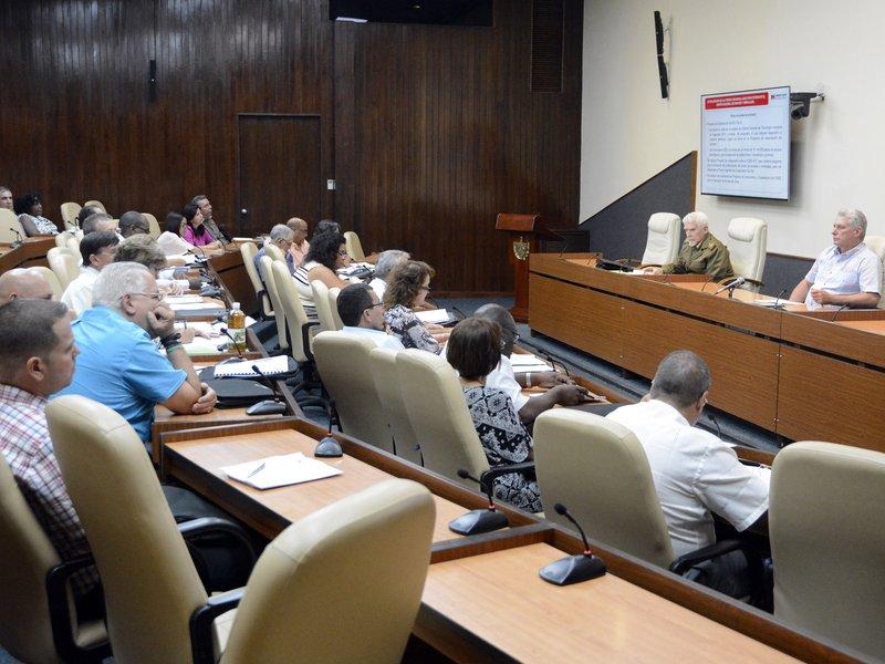 Chequeó Díaz-Canel programa industrial de Cuba