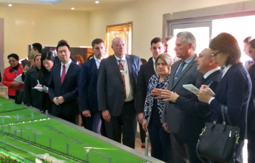 Le président Díaz-Canel visite de sites d'intérêt au Bélarus