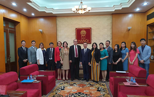 Cuban minister of higher education visits Vietnam