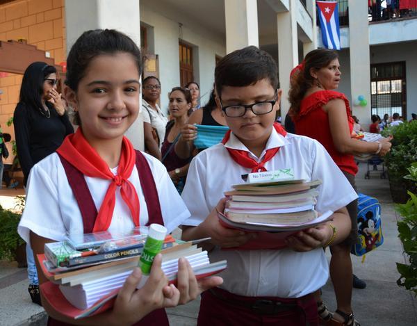 Felicita Díaz-Canel a quienes aseguran el inicio del curso escolar en Cuba (+ Tuit)