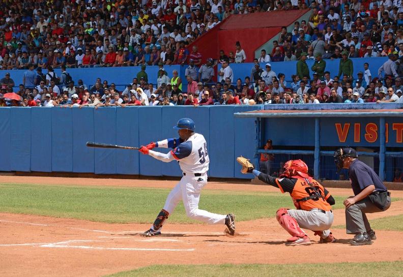 Recibe Camagüey desde la cima a Las Tunas, monarca del béisbol cubano