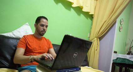 Contribuye el teletrabajo y trabajo a domicilio al ahorro energético en Cuba