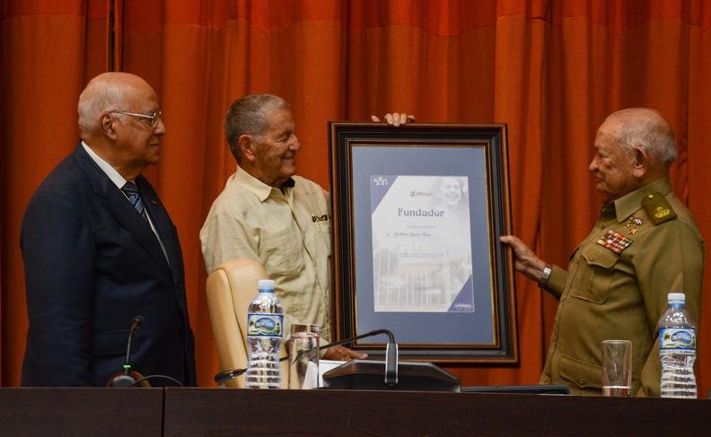 Reconoce Raúl Castro al Palacio de Convenciones de Cuba por sus cuatro décadas