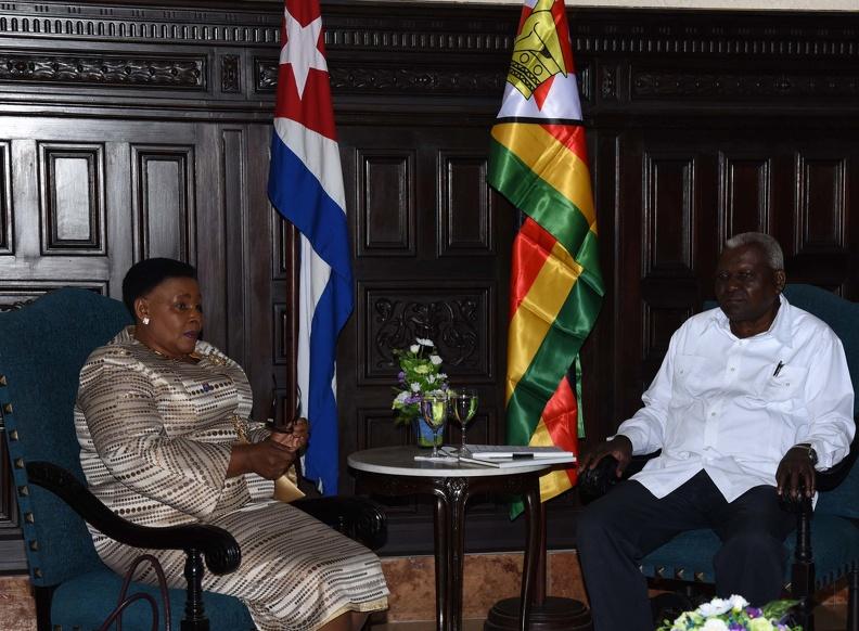 Recibió Esteban Lazo a Presidenta del Senado de Zimbabwe