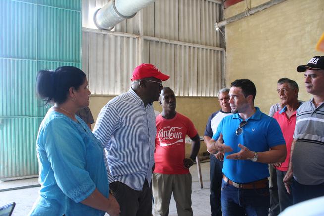 Chequea Primer Vicepresidente cubano inversiones en empresa arrocera de Artemisa