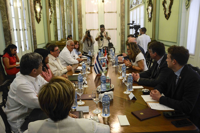 Dialogan Cuba y Canadá sobre asuntos políticos de interés mutuo