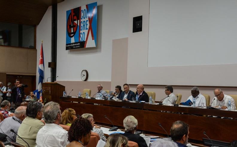 Debaten artistas e intelectuales cubanos asuntos medulares de la Cultura