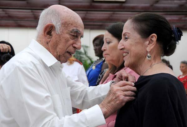 Condecoradas mujeres cubanas de cara al X Congreso de su organización (+ Fotos)