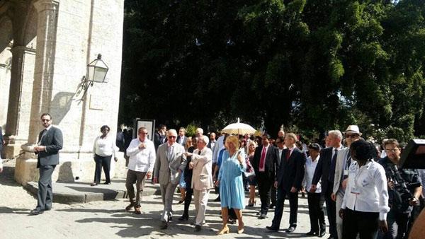 Altezas reales británicas recorren la Habana Vieja (+ Fotos)