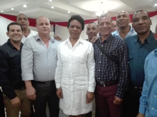 Vicepresidenta cubana sostiene encuentro con colaboradores de su país en Sudáfrica (+Fotos)