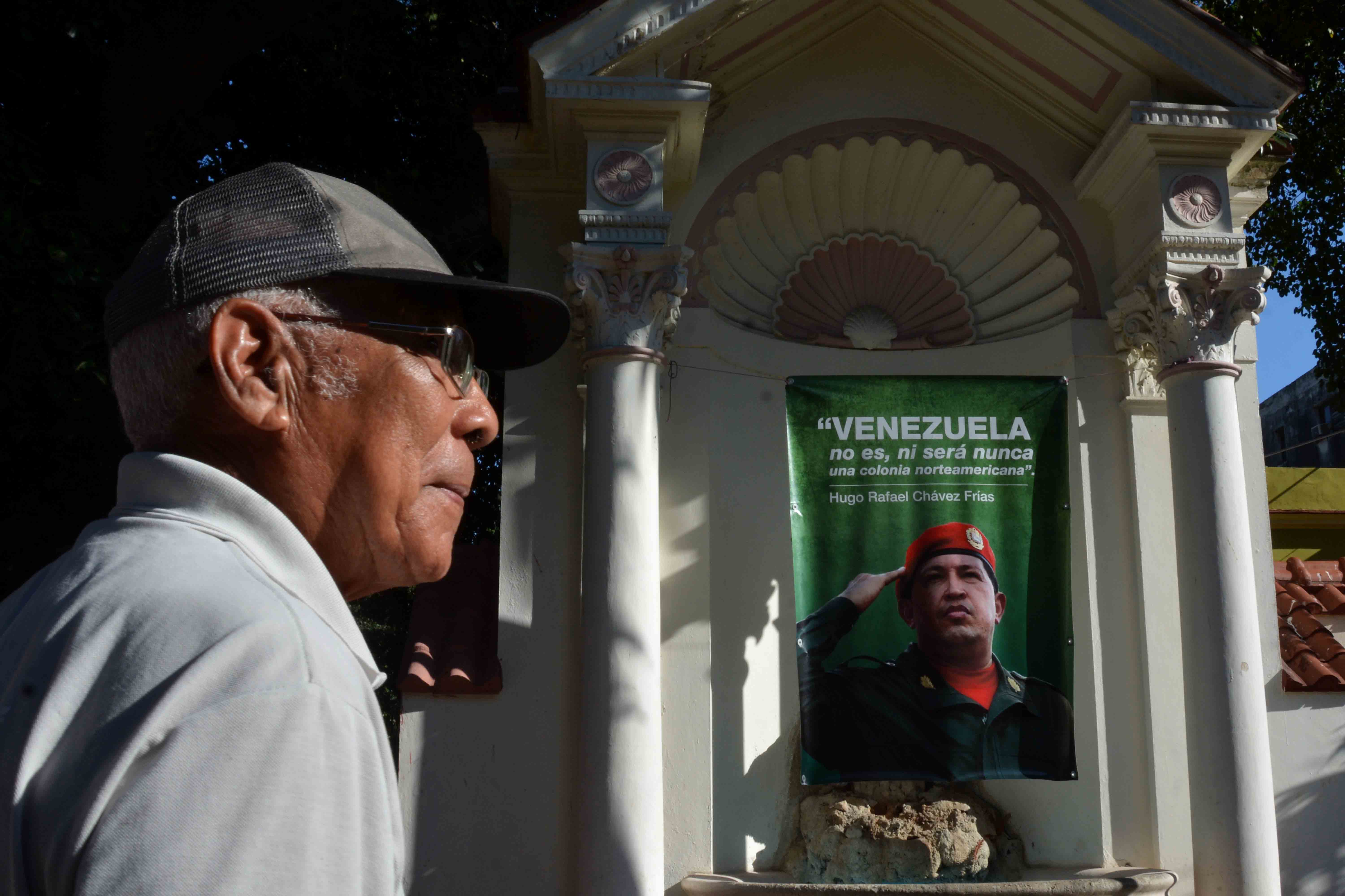 Cubans pay homage to Chavez, ratify solidarity with Venezuela