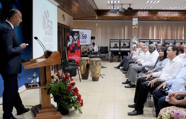 Mohamed Hisham Gamal Eldin Shuair (I), embajador de la República Árabe de Egipto, interviene en el acto conmemoración del Día de África, en la sede del Ministerio de Relaciones Exteriores (MINREX), en La Habana, Cuba, el 24 de mayo de 2019.