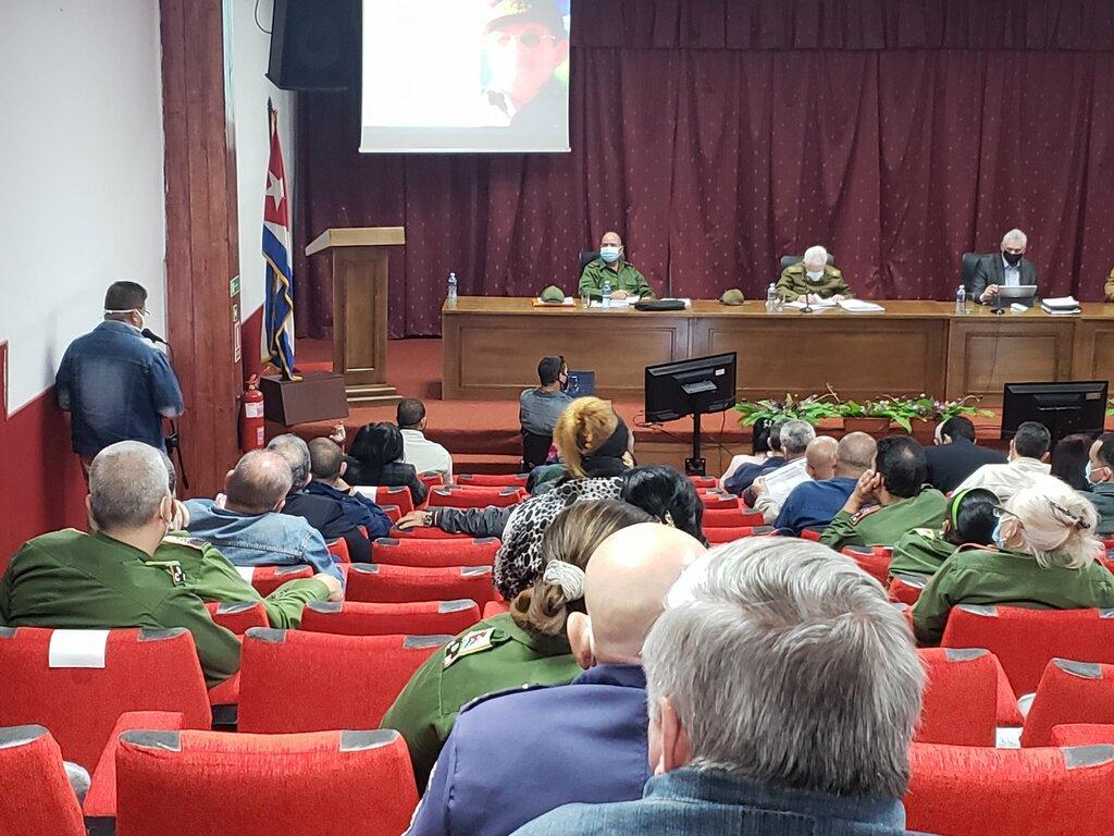Díaz-Canel chequea en La Habana implementación de Estrategia de Desarrollo Económico y Social