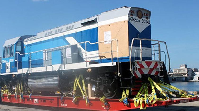 Llegan a Cuba siete nuevas locomotoras rusas
