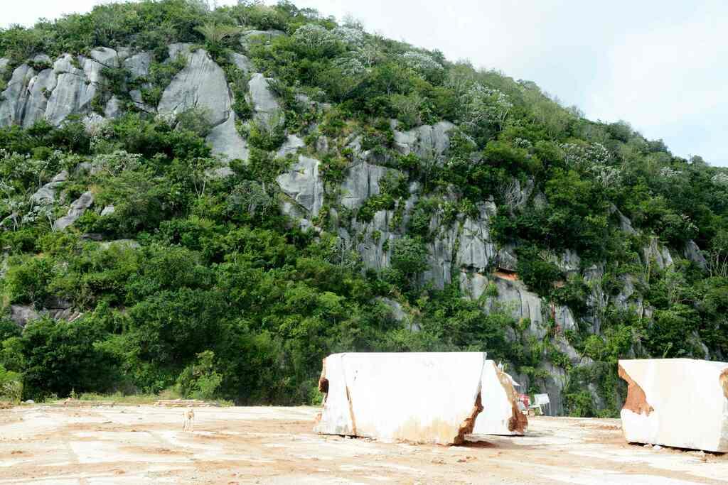 1228-marmol2.jpg