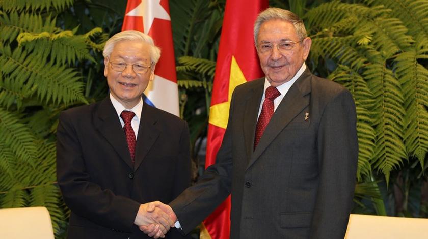 Felicita Raúl al Partido Comunista de Vietnam