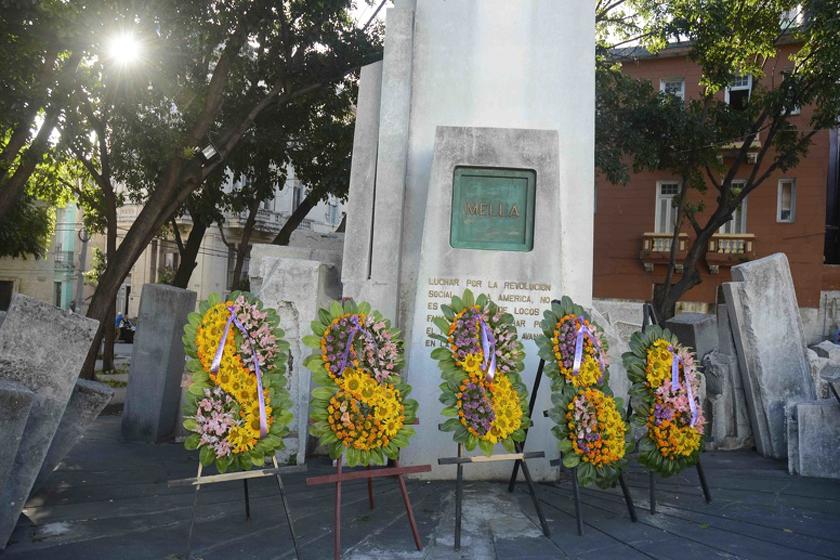Envía Díaz-Canel ofrenda floral a homenaje de la juventud a Julio Antonio Mella
