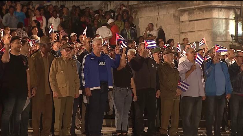 Con Raúl y Díaz-Canel, Marcha de las Antorchas en La Habana