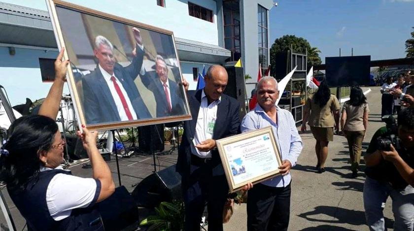 Condenan aeroportuarios cubanos afectaciones al sector por bloqueo de Estados Unidos