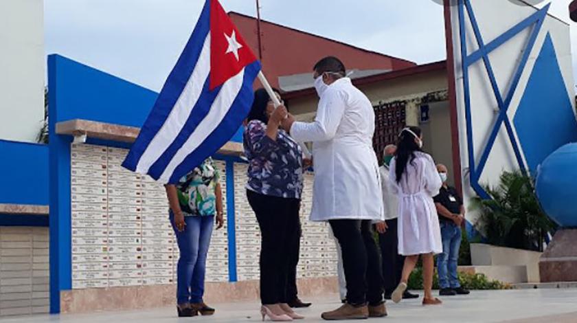 0-05-medicos-cubanos.jpg