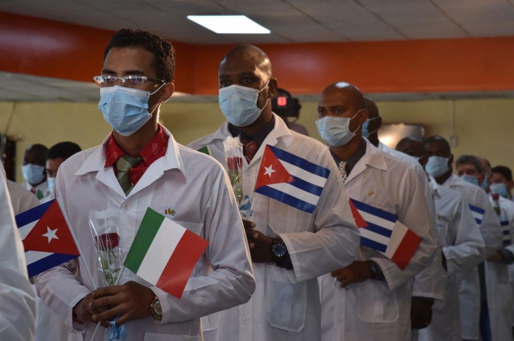 En suelo patrio, médicos cubanos que combatieron la Covid-19 en Turín, Italia