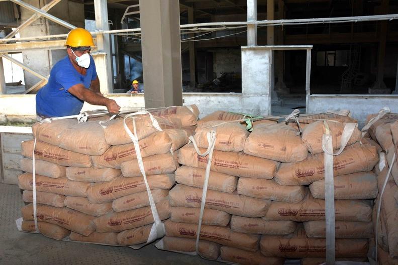 0303-fabrica-cemento-cienfuegos5.jpg