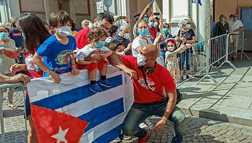 0-24-homenaje-a-brigada-medica-cubana-crema-italia-9.jpg