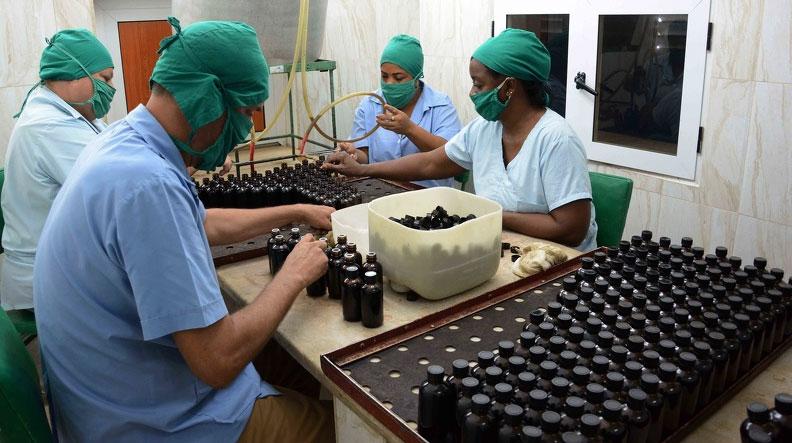 Garantizan en Camagüey producción de jarabes anticatarrales