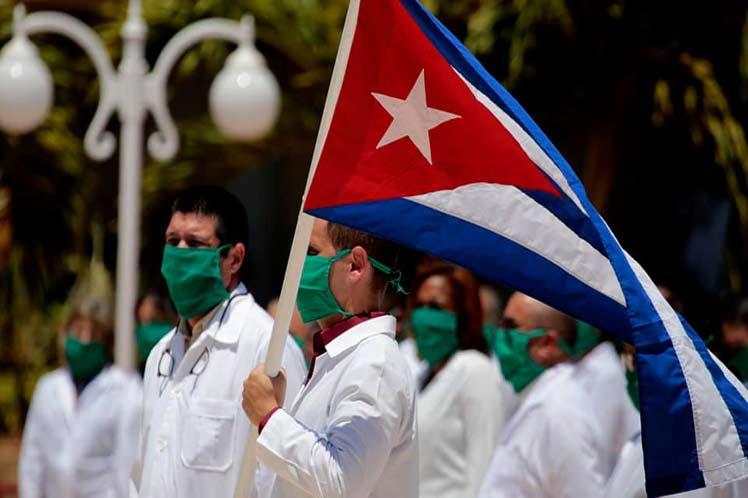 2804-medicos-cubanos.jpg
