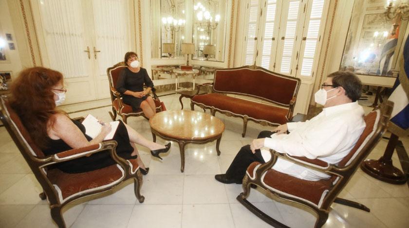 Canciller cubano y embajadora polaca dialogan sobre ampliación de vínculos económicos
