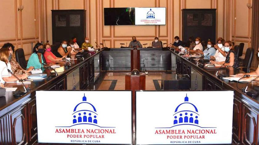 Intercambian en Cuba sobre enfrentamiento a la violencia de género