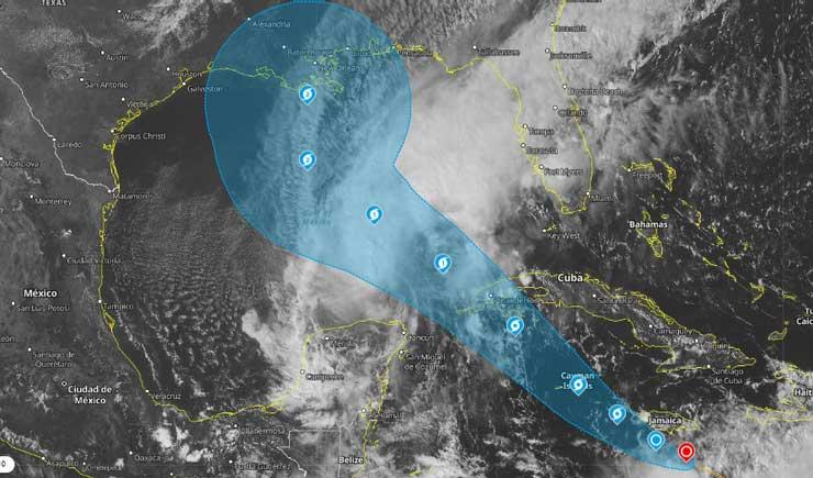 Durante la madrugada el huracán Delta continuó ganando en intensidad
