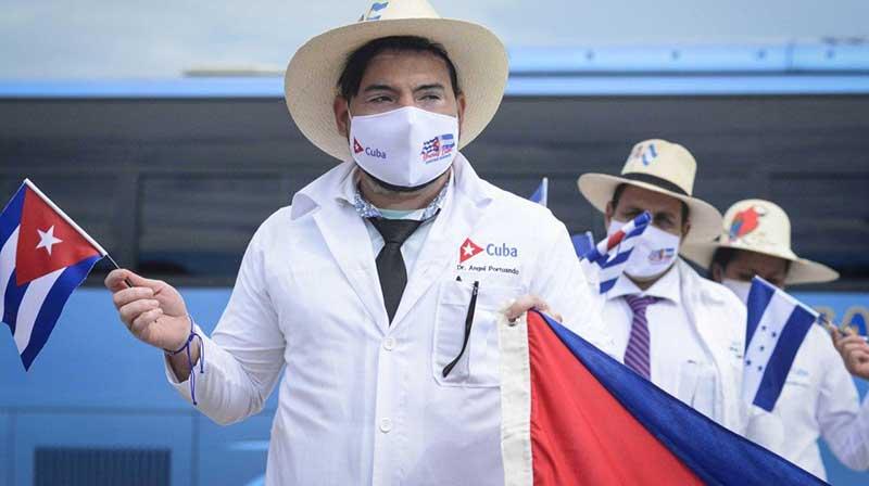 Elogia Díaz-Canel a médicos cubanos que combatieron el nuevo coronavirus en Honduras