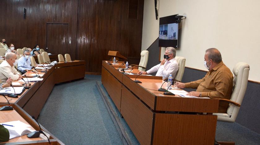 Manuel Marrero insta a buscar alternativas para garantizar disponibilidad de medicamentos