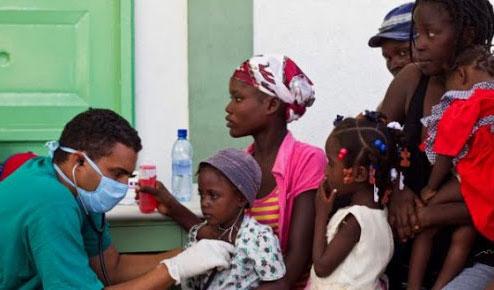 Bien de salud colaboradores cubanos en islas caribeñas afectadas por tormenta Laura