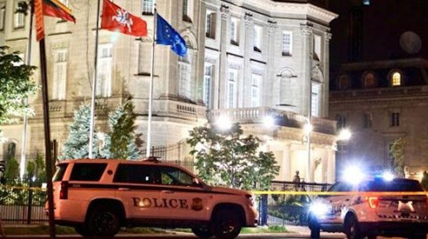 0601-embajada.jpg