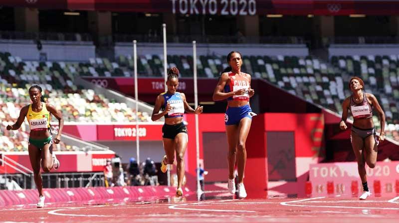 Roxana Gómez avanza a final de los 400 metros femenino