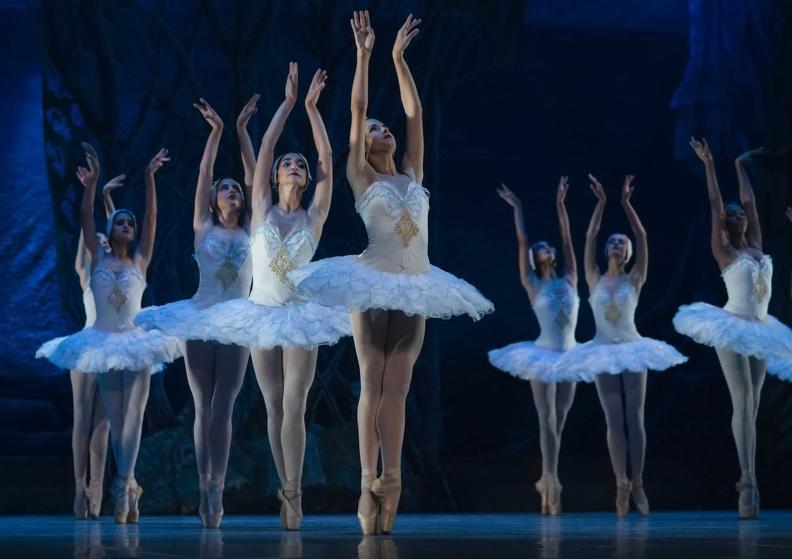 0101-ballet-gala.jpg