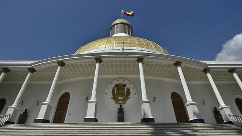 Asiste delegación parlamentaria cubana a instalación de la Asamblea Nacional de Venezuela