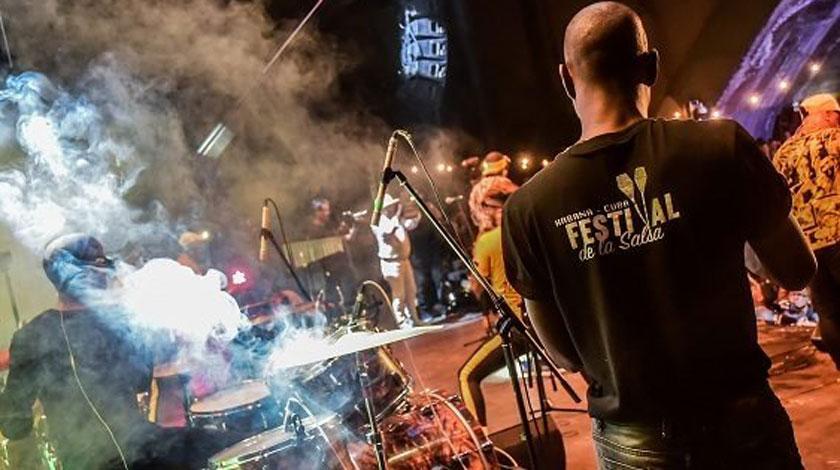 Posponen Festival de la Salsa en Cuba