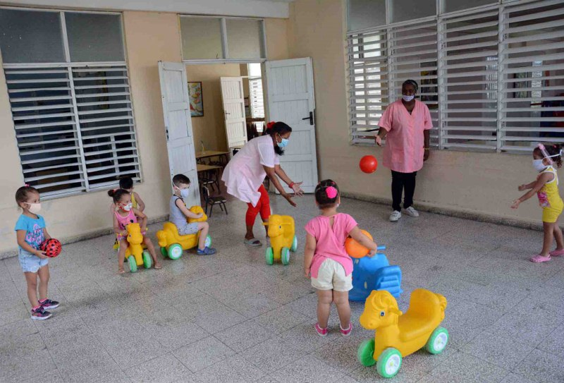 In Camagüey, nurseries remain open to support working families