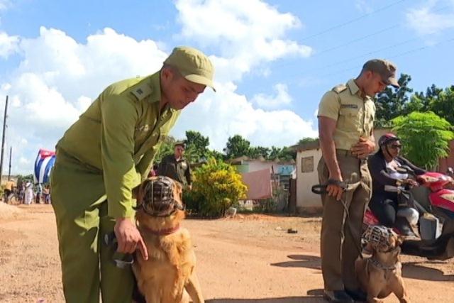 Combatientes de la técnica canina del MININT, comprometidos con la defensa de la patria