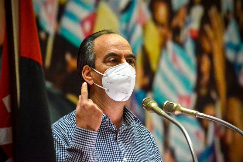 Convoca Díaz-Canel desde Holguín a elevar las medidas para detener el impacto de la COVID-19