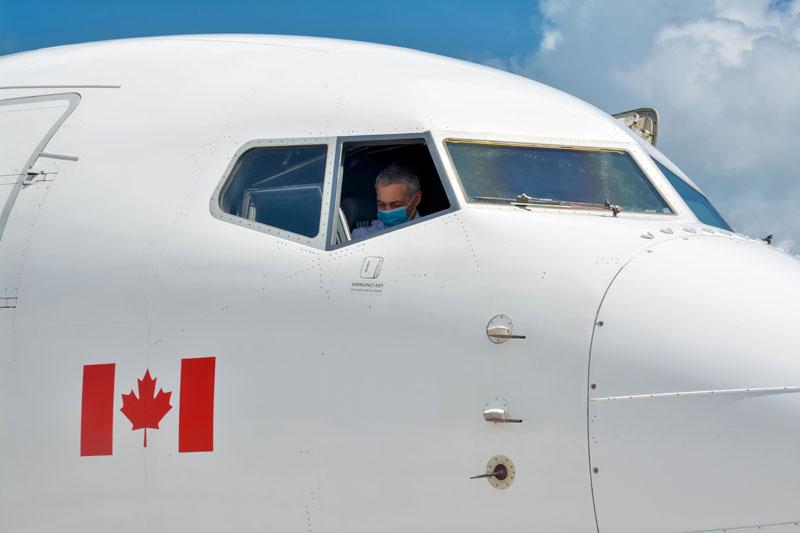 HOLGUÍN-ARRIBA A CUBA DONATIVO CON INSUMOS MÉDICOS PROCEDENTE DE CANADÁ 6 FOTOGRAFÍAS Un donativo con insumos médicos destinado al enfrentamiento de la Covid-19, arribó por el Aeropuerto Internacional Frank País, de la ciudad de Holguín, Cuba, en vuelo procedente de Toronto, en Canadá, el 12 de junio de 2021.ACN FOTO/Juan Pablo CARRERAS