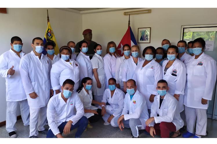 Profesionalidad y compromiso, divisa de galenos cubanos en Venezuela