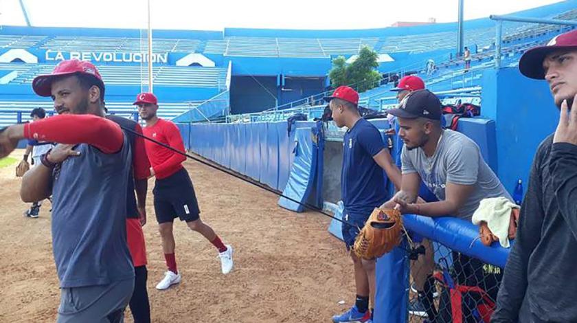 Pletórica de optimismo, la selección cubana de béisbol categoría sub 23 años partirá hoy hacia Obregón, México, para intervenir en la III Copa del Mundo de esa categoría, que se iniciará el próximo jueves y en la cual hará su debut competitivo en estos certámenes.