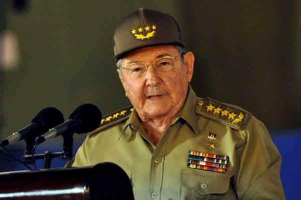 Convoca presidente cubano Raúl Castro a enfrentar problemas y luchar sin perder el ánimo