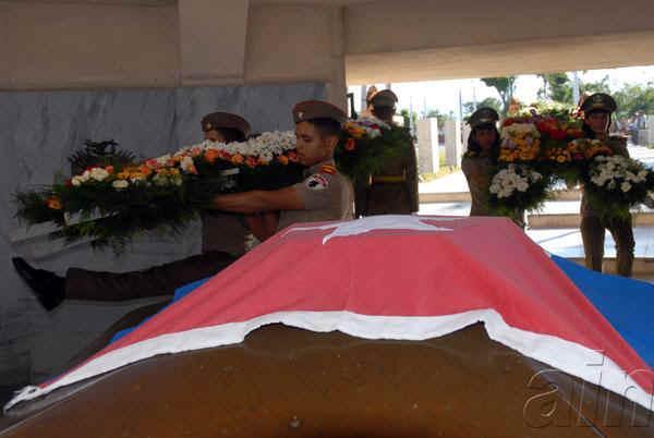 En lugar de reposo de Martí, tributo hoy a 121 años de su caída