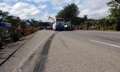 Estables lesionados en accidente de tránsito en Santiago de Cuba