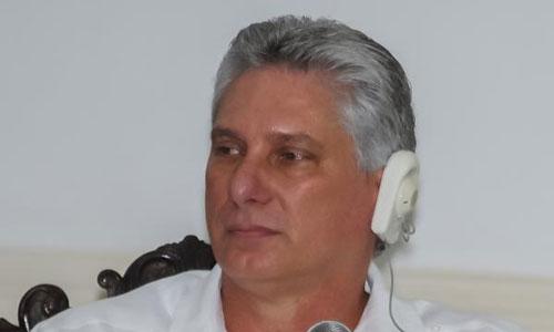 Reflexiona primer vicepresidente cubano sobre inserción de jóvenes a la prensa